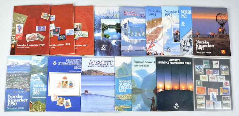 Lot 4658 - Årssett/årbøker  -  Skanfil Auksjoner AS  Public auction 211